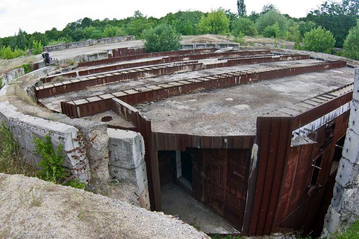 Секретный бункер главнокомандующего войск Молдавии (26 фото)