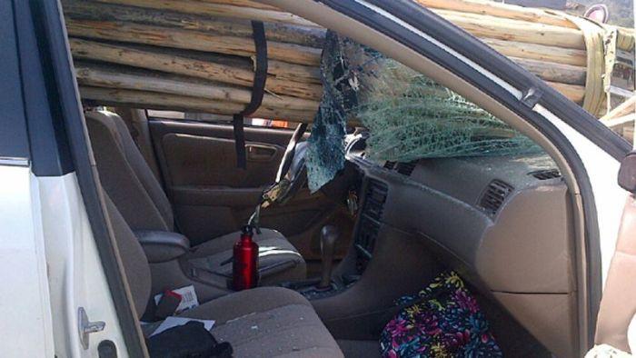 Пункт назначения: невнимательная девушка-водитель (5 фото)