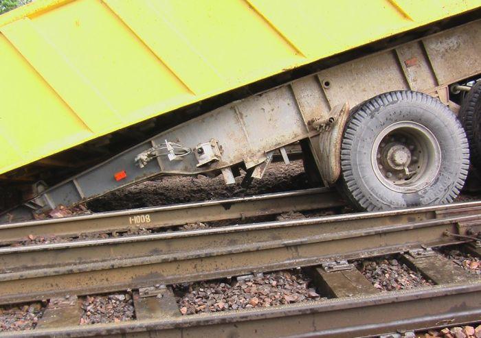 Trenle Tır Çarpışması ( 41 Fotograf)