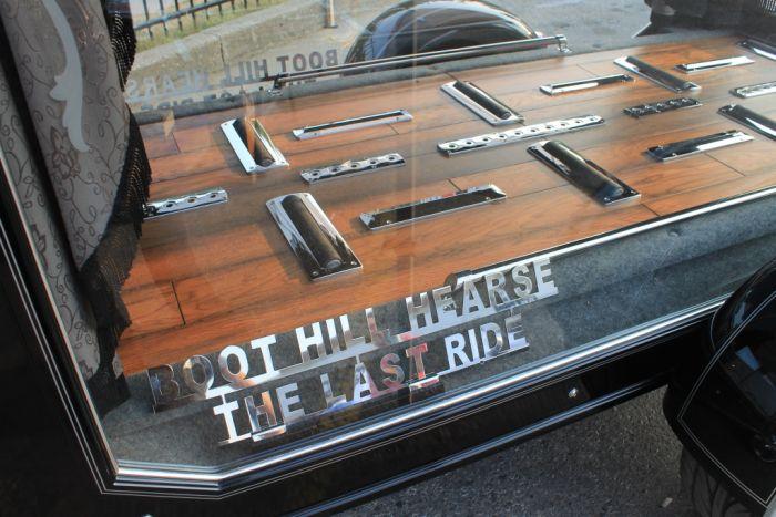 Катафалк для байкеров (3 фото)