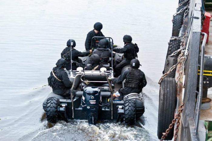 Новая техника на вооружении ФСБ (9 фото)