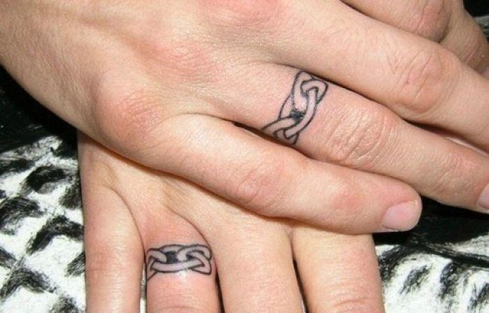 Татуировки вместо обручальных колец (25 фото)
