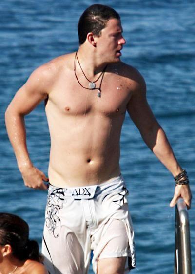 Соблазнительные мужские тела 2012 года (15 фото)