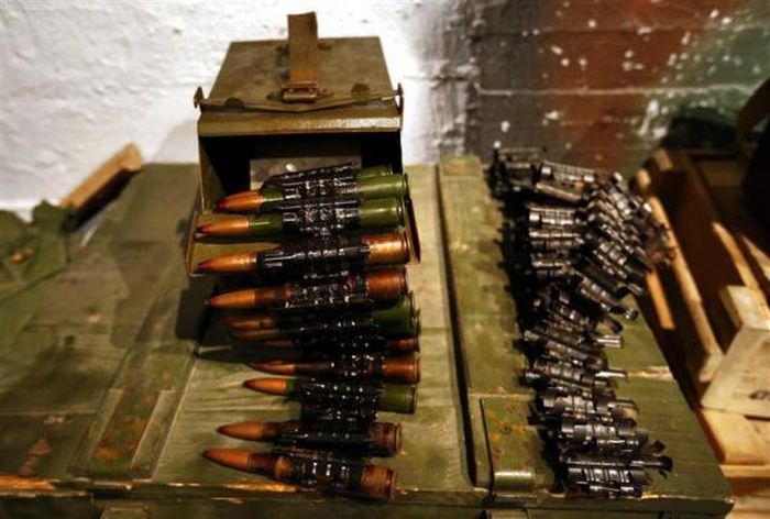 Бар для любителей стиля милитари (15 фото)