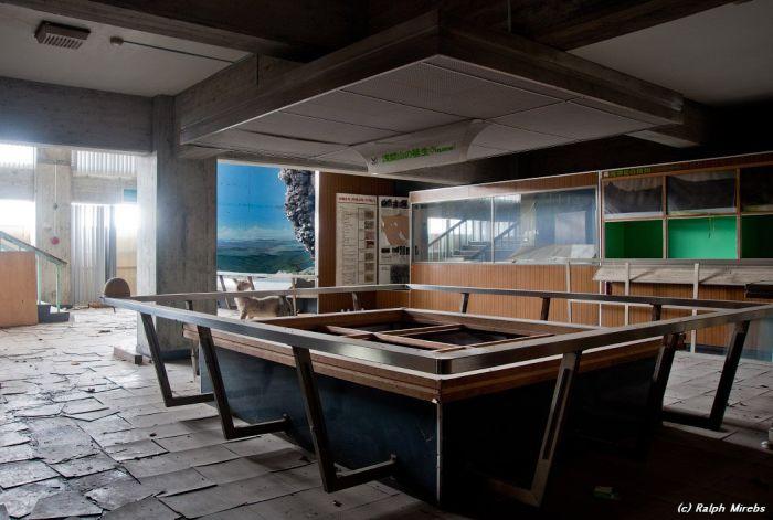Terkedilmiş Japon Volkanoloji Müzesi-www.kerimusta.com(39 Fotoğraf)
