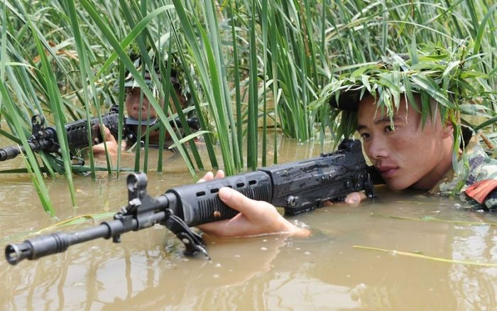 Тренировка китайских бойцов SWAT (16 фото)