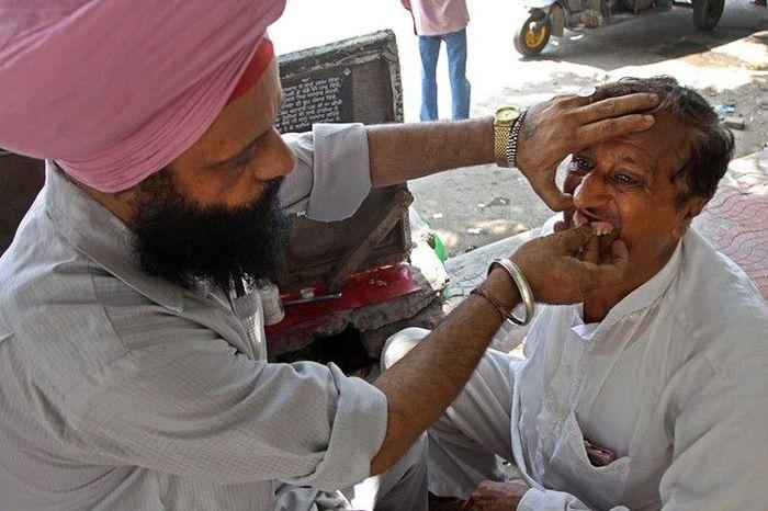 Частные стоматологи в Индии (5 фото)