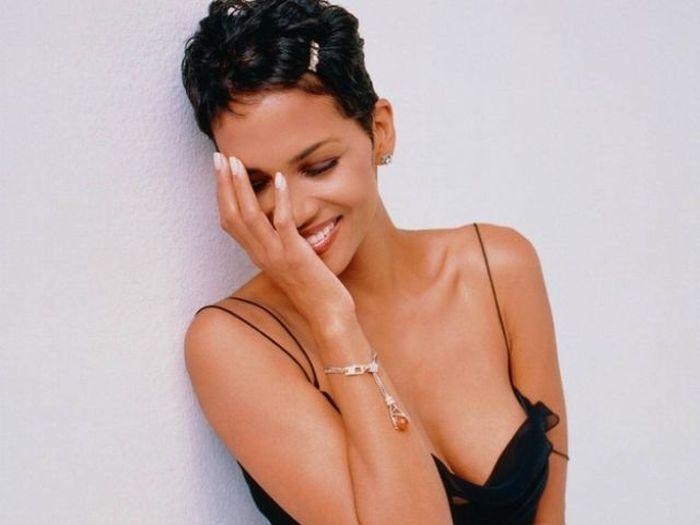 Тайные методы для поддержания красоты знаменитостей (8 фото)
