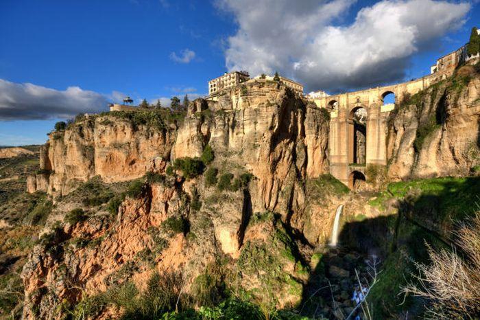 Испанский город на горе (10 фото)