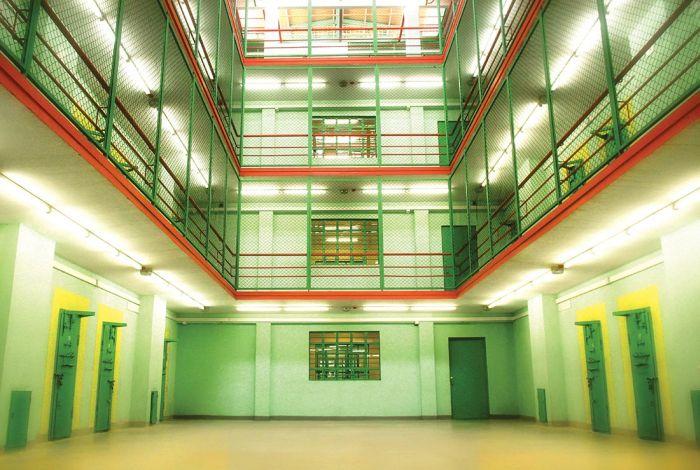 Глданская тюрьма: условия для уголовников (28 фото)