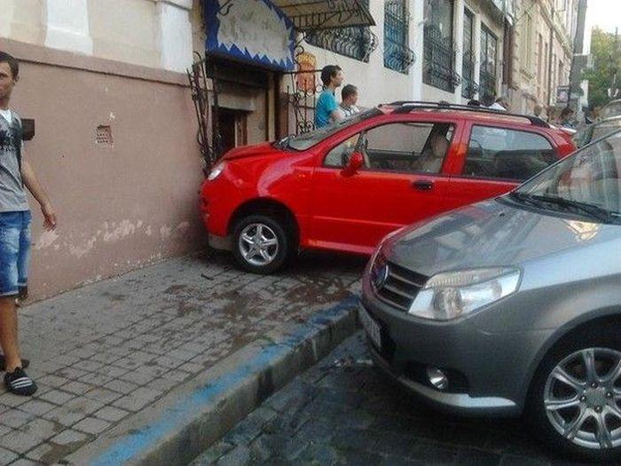 Как не надо парковаться (6 фото)