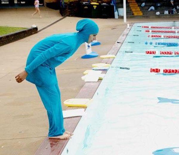 Креативный купальный костюм для мусульманок (5 фото)
