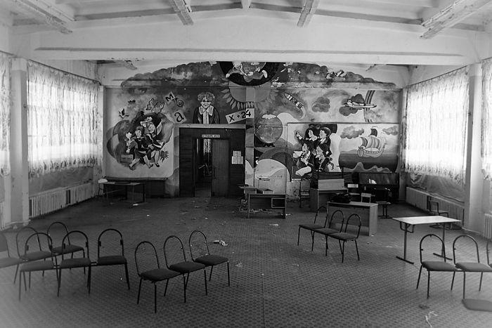 Заброшенная школа (30 фото)