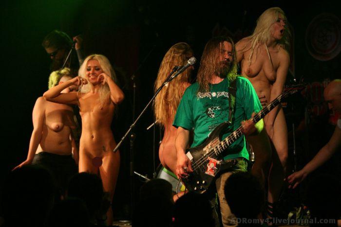 Фото ануса видео голая рок певица фильм пираты хорошем