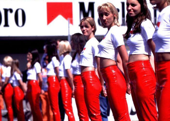 Симпатичные девушки Формулы 1 (67 фото)