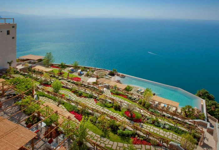 İtalya'da Çarpıcı Hotel- Monastero Santa Rosa (39 Forograf)