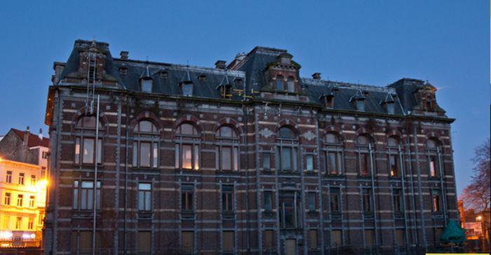 Заброшенная ветеринарная школа в Брюсселе (22 фото)