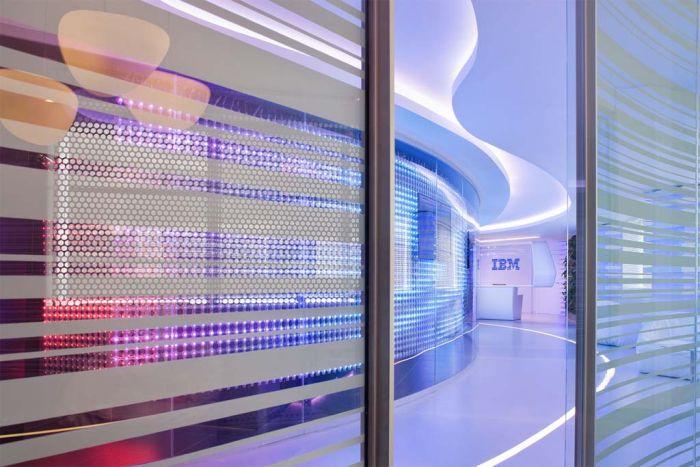 Футуристический дизайн офиса IBM (14 фото)