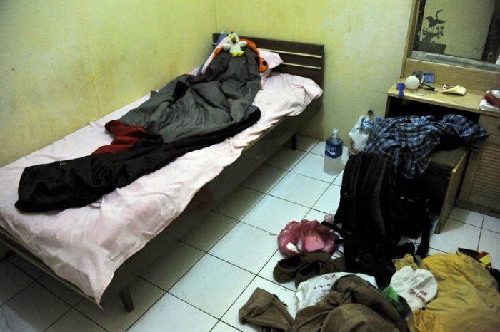 Как живут люди в трущобах Джакарты (69 фото)