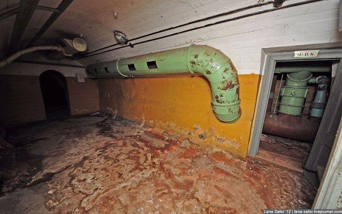 Действующее бомбоубежище (39 фото)