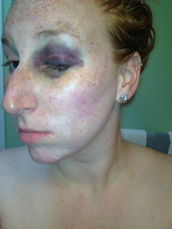 Чудеса женского макияжа (4 фото)