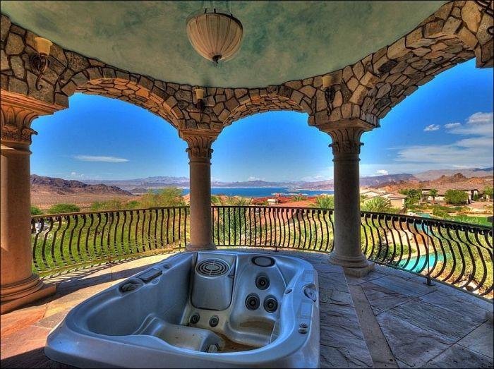 Шикарный дом в пустыне (20 фото)