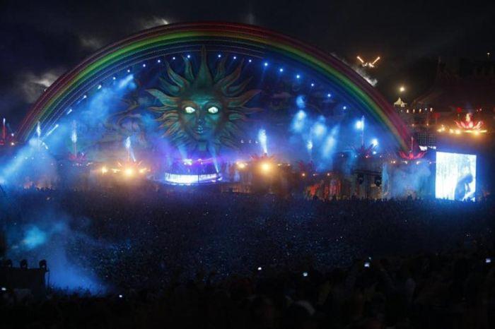 Музыкальный фестиваль Tomorrowland (21 фото)