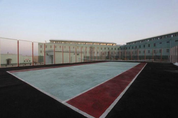 Женская тюрьма в Грузии (14 фото)