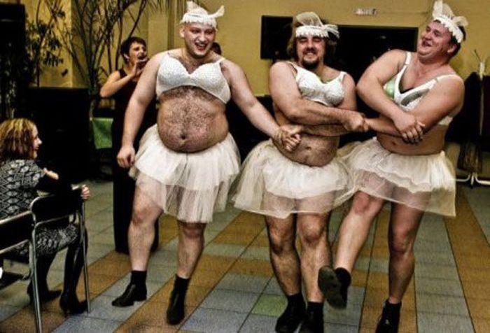 Мужчины делают странные вещи (47 фото)