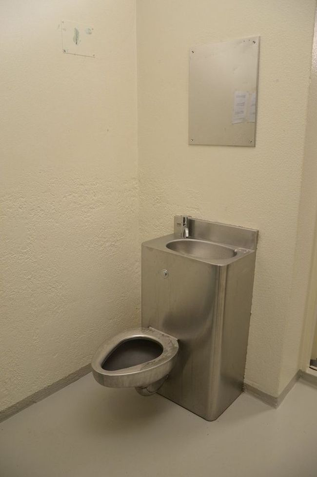 Условия содержания Андерса Брейвика в тюрьме (8 фото)