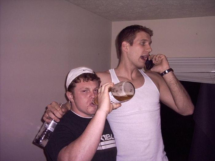 Парни отрываются на вечеринках (47 фото)