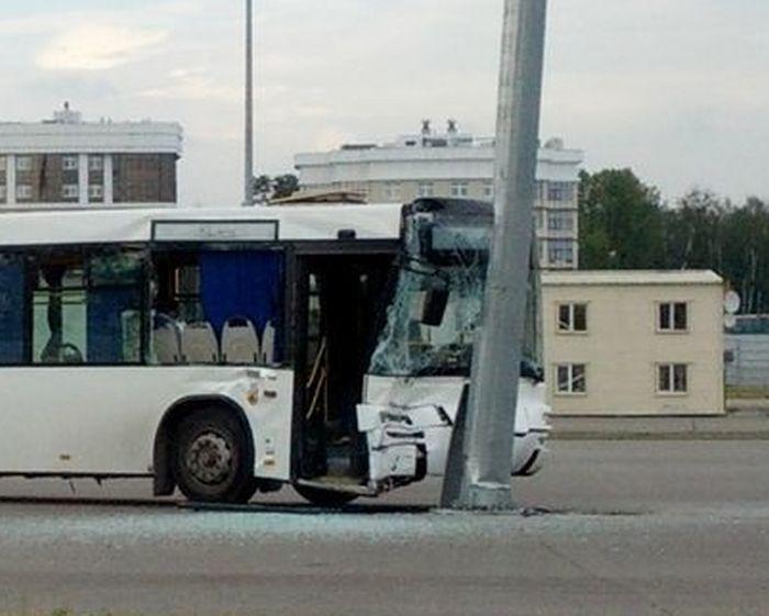 Суровая авария по-мужски (3 фото)