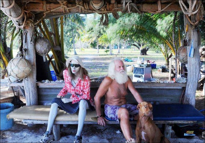 Современный Робинзон обустроился на райском острове (8 фото)