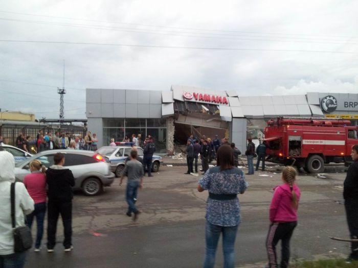 Авария автобуса, как в голливудском кино (15 фото)