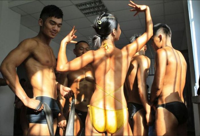 porno-tantsi-v-klube