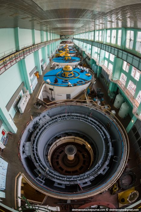 Прогулка по Зейской ГЭС (39 фото)