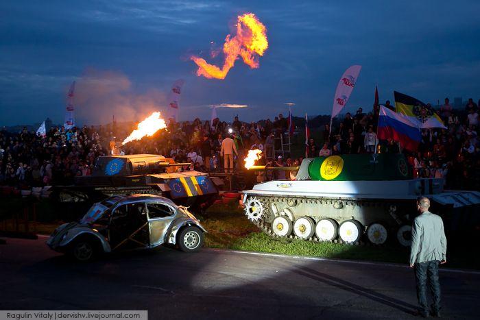 Экстремальный фестиваль каскадеров в Тушино (38 фото)