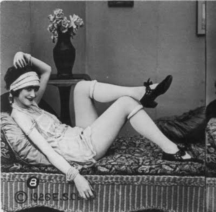 Женские чулочки и нижнее булье середины прошлого века (53 фото)