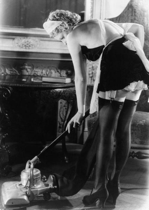 Женские чулочки и нижнее белье середины прошлого века (53 фото)