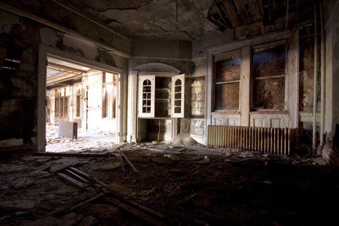 Заброшенный колледж для девушек в Нью-Йорке (60 фото)