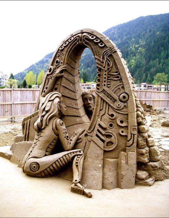 Удивительные произведения искусства из песка (33 фото)