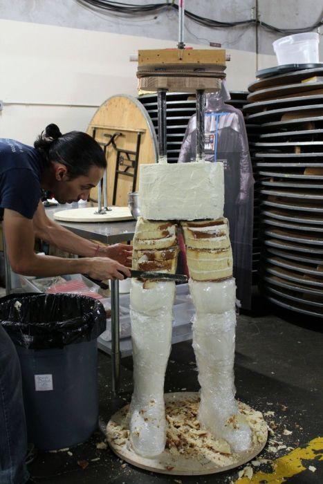 Крутой торт в виде Дарта Вейдера в полный рост! (31 фото)