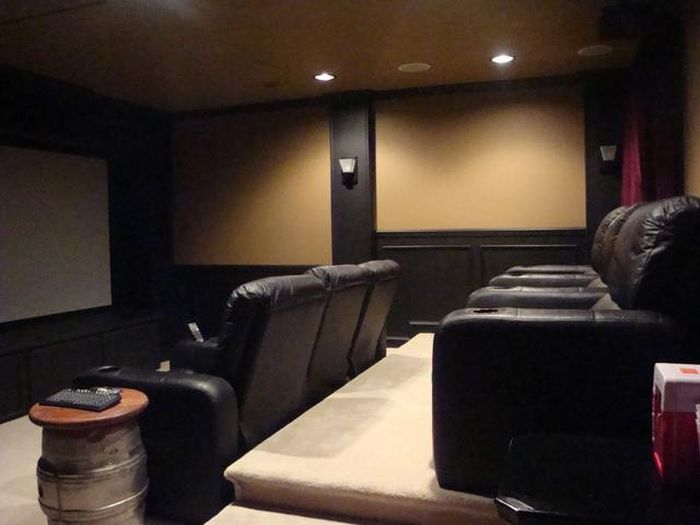 Как собственноручно построить кинотеатр (32 фото)