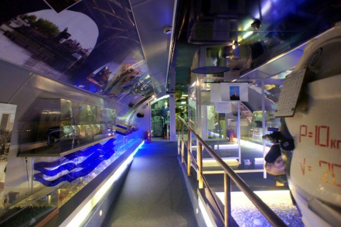 Экскурсия по музею - подводной лодке (93 фото)