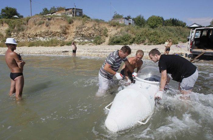 Одессит построил субмарину, которая ему приснилась во сне (5 фото)