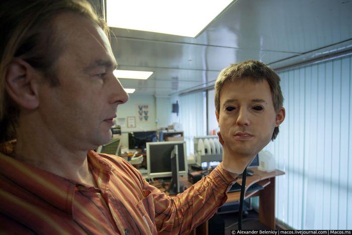 Первый в мире человекоподобный робот (19 фото)