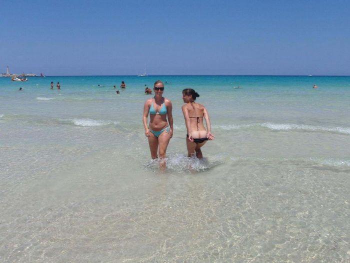 Девушки на пляже (70 фото) НЮ