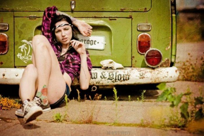 Девушки с татуировками (29 фото)