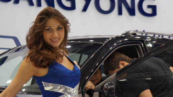 Девушки Московского Международного автомобильного салона (31 фото)
