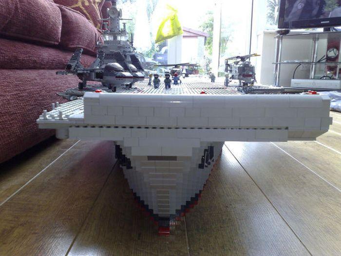 Линкор из конструктора Lego (19 фото)